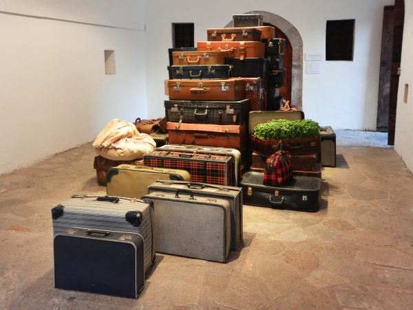 Betty Zerva, Baggage, 2019